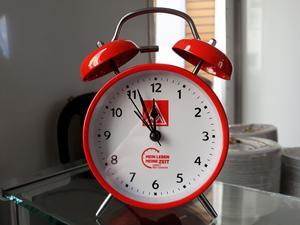Der IG Metall-Wecker: Es ist 5 vor 12